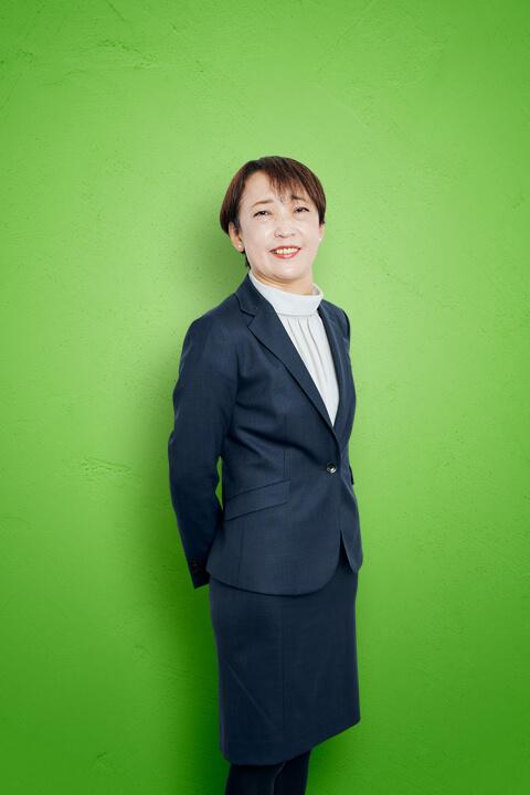 秋山 圭子 写真