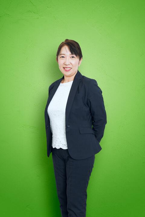 堀川 智子 写真